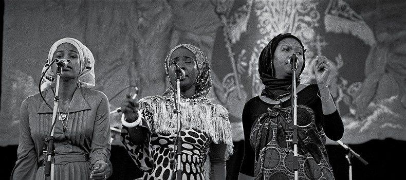 Pozytywne Czwartki odcinek 602 – Sisters Chant