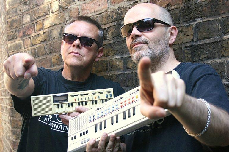 "Dougie Wardrop (Conscious Sounds/Bush Chemists) i Steve ""Vibronics"" Gibbs"