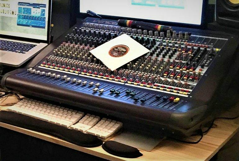Inside Vibroncs studio