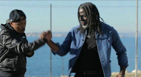 TIKEN JAH FAKOLY – LE MONDE EST CHAUD feat. SOPRANO