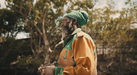 CAPLETON – JAH MAN A PRAY TO